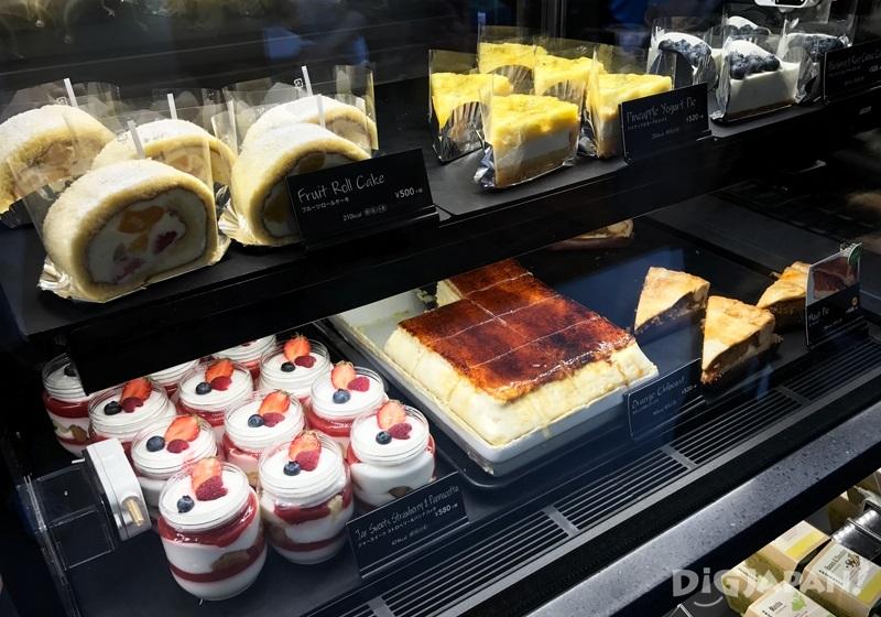 STARBUCKS星巴克御成町店限定甜点