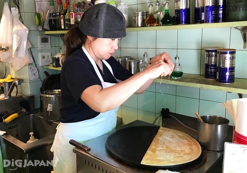 KOKURIKO(コクリコ)现场做松饼