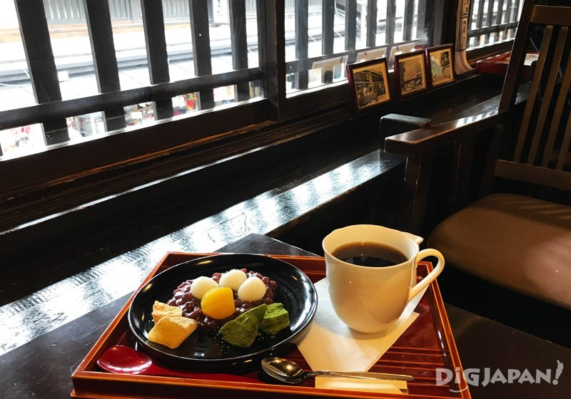 Coffee and sweets set 1,100 yen