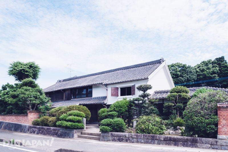 学生寮として再生する築146年の古民家