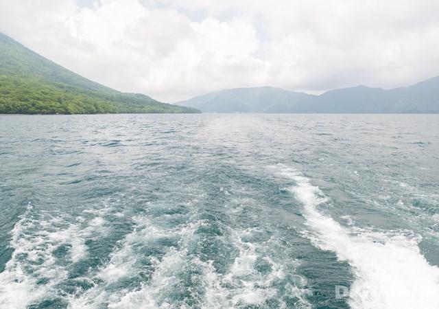 乘船約20分鐘後的中點站菖蒲之濱