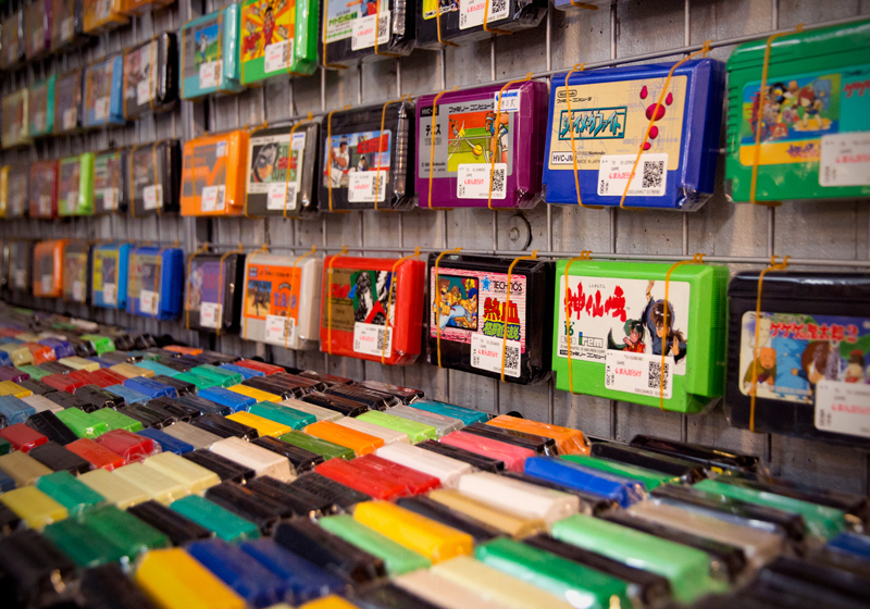 เกมส์ Famicom ที่ร้าน Mandarake Galaxy