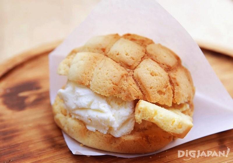 菠蘿包冰淇淋 400日元
