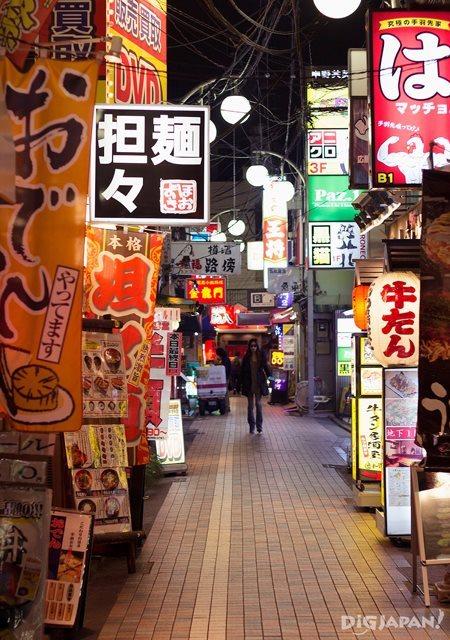 中野百老汇周围有商店街