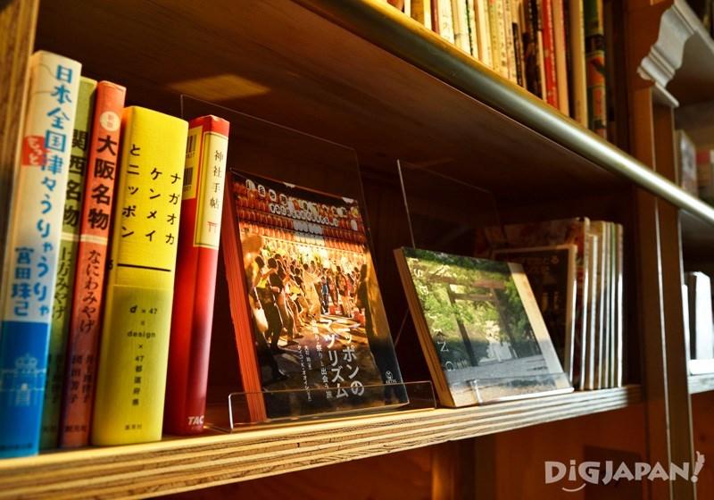 文学书籍、漫画以及各种杂志应有尽有