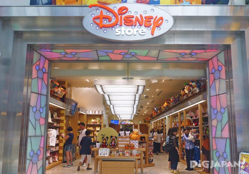 Disney store 心斋桥店