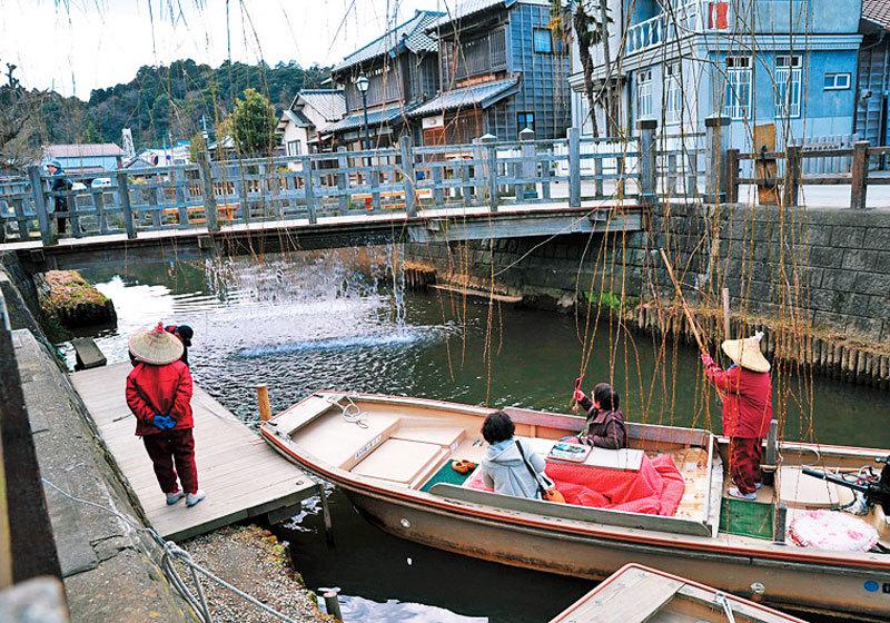Boat tour of Little Edo Sawara1