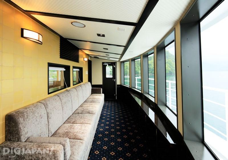 新型遊覽船「男体(Nantai)」設有特別展望個室