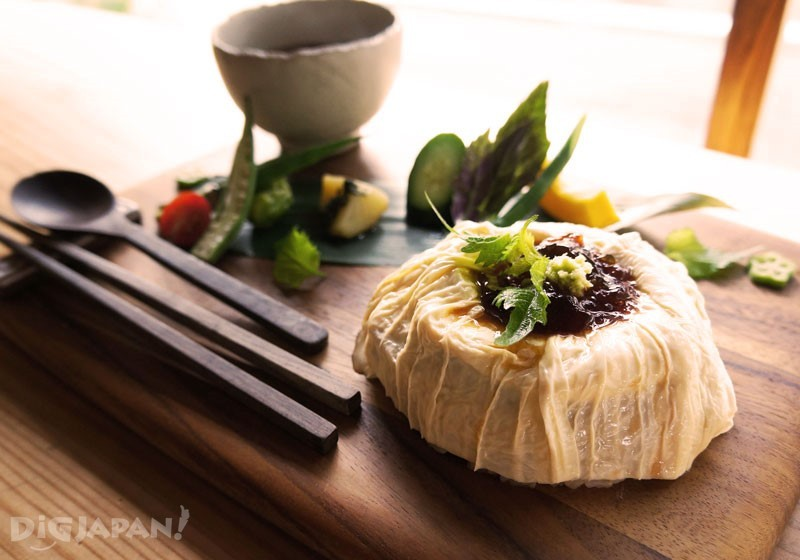 用大量豆腐皮調味的料理