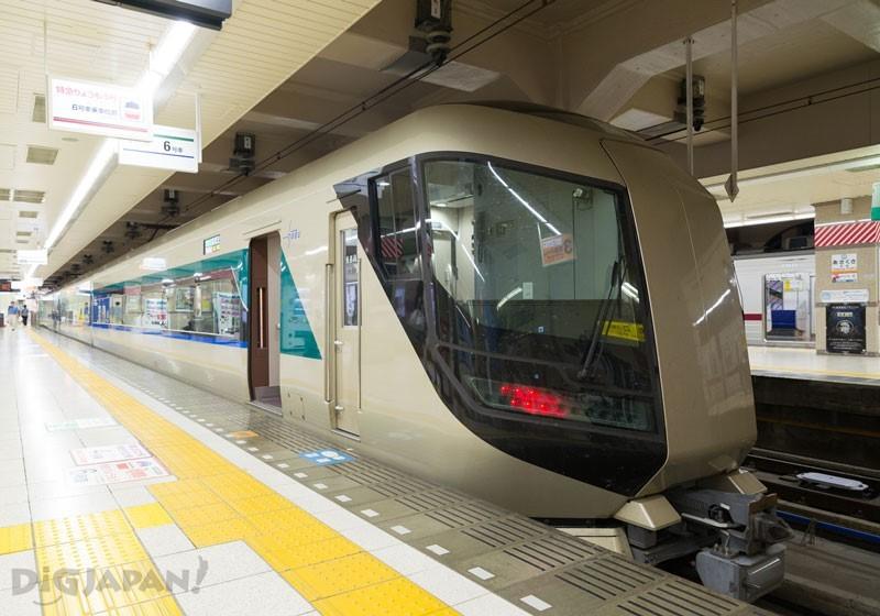 東武鐵道特急列車「Revaty」