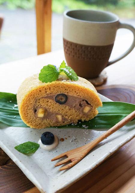 香蕉蛋糕捲・炭火自家烘培的熱咖啡