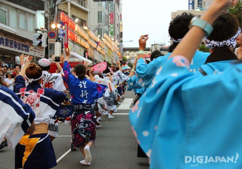 Inside a dancing group - Tokyo Koenji Awa Odori 2017