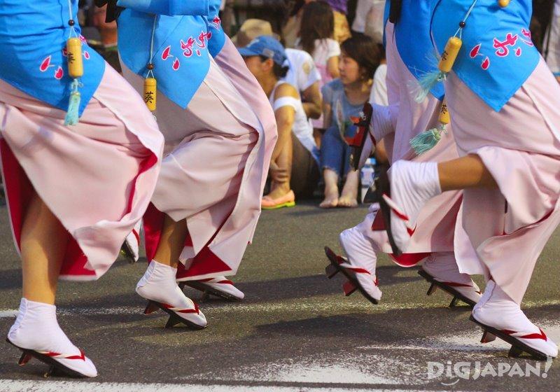 Japanese female dancers wearing geta - Tokyo Koenji Awa Odori 2017