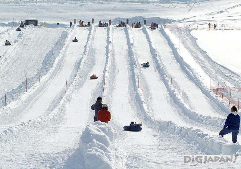 滝野すずらん公園の全長250mの滑り台