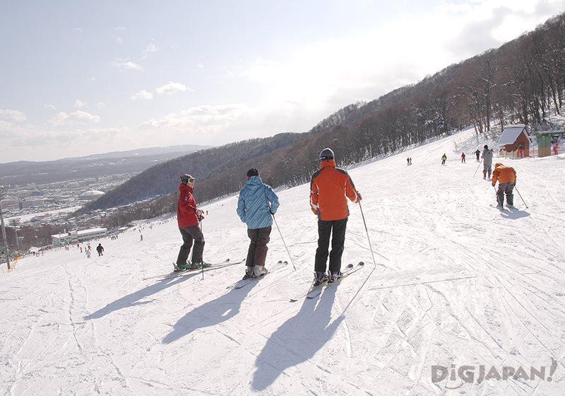 札幌藻岩山スキー場でスキー