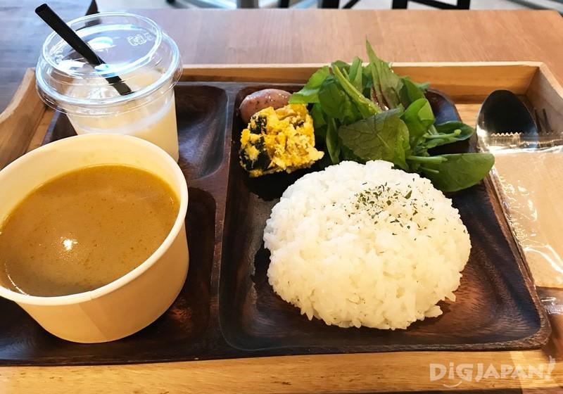 商業午餐的咖哩套餐1