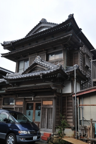 The streets of Katsuura are brimming with historical buildings