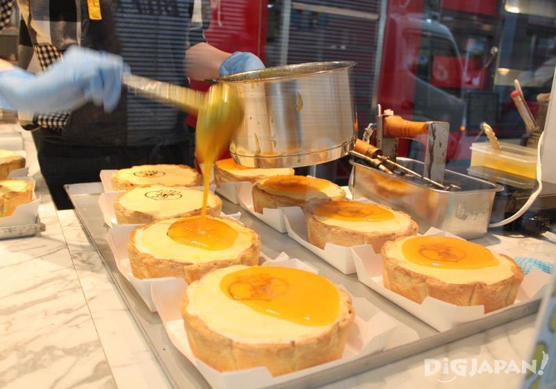 チーズタルトはすべてお店で手作り