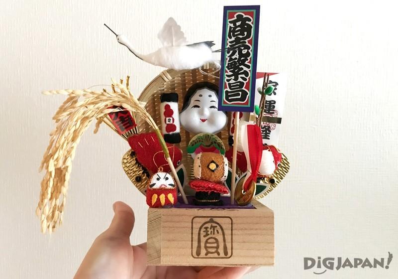 新宿花园神社3000日元购得的熊手