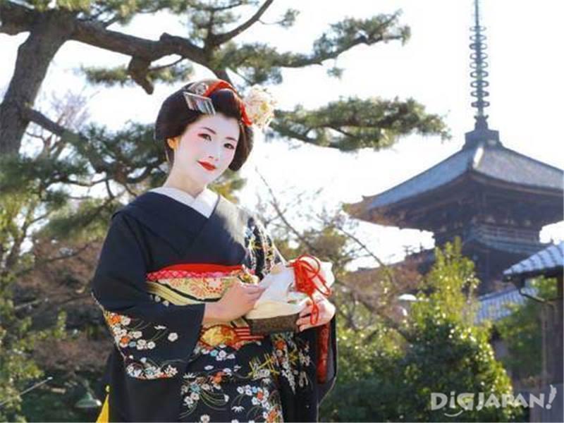 Maiko henshin experience in Kyoto