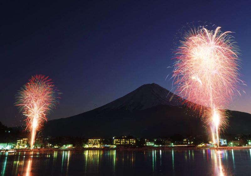 Lake Kawaguchi Winter Fireworks 1