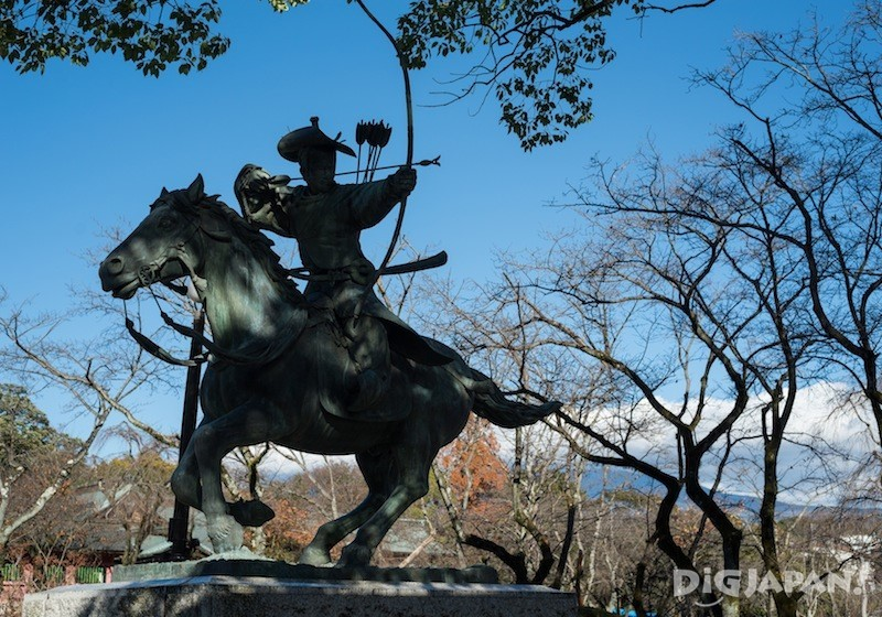 Yabusame archer statue at Fujisan Hongu Sengen Taisha