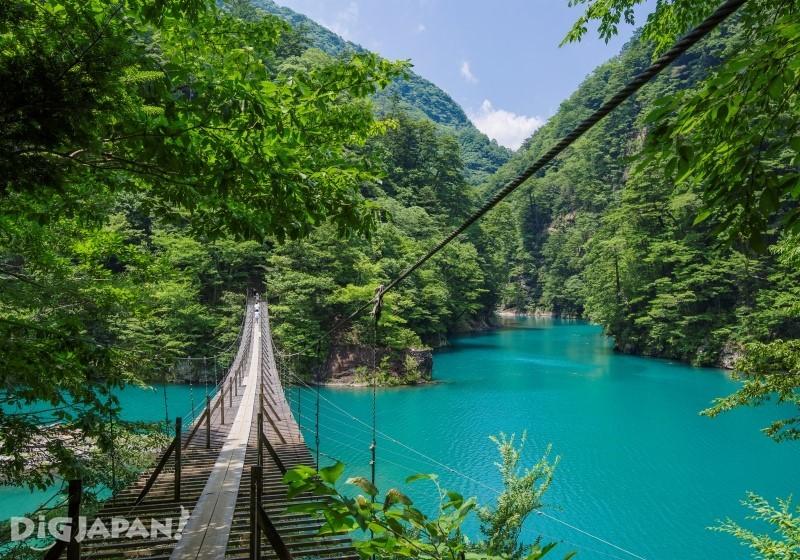 寸又峡の吊り橋