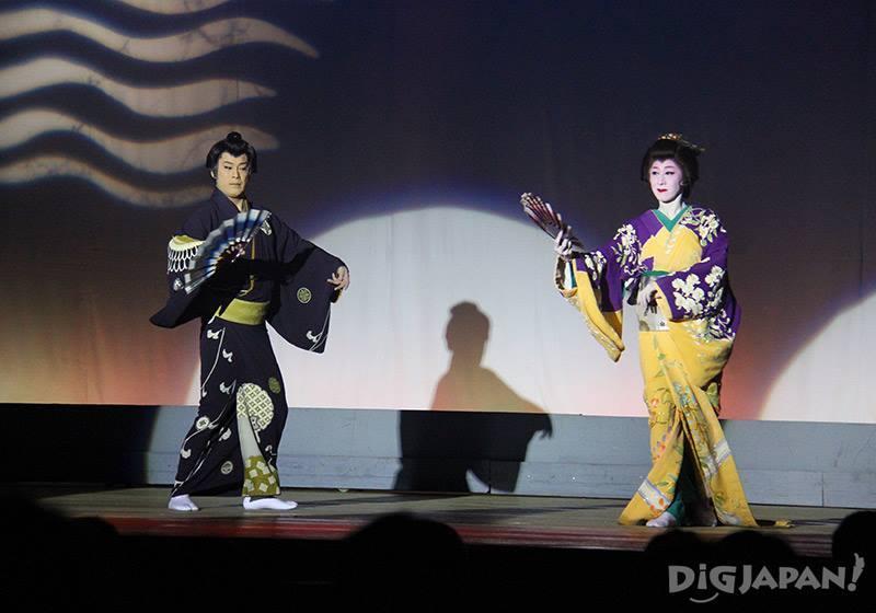 可以近距離看到傳統的日本舞踊秀及歌舞伎等日本藝能文化