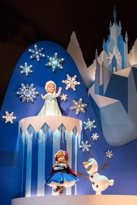 アナと雪の女王の世界も広がります