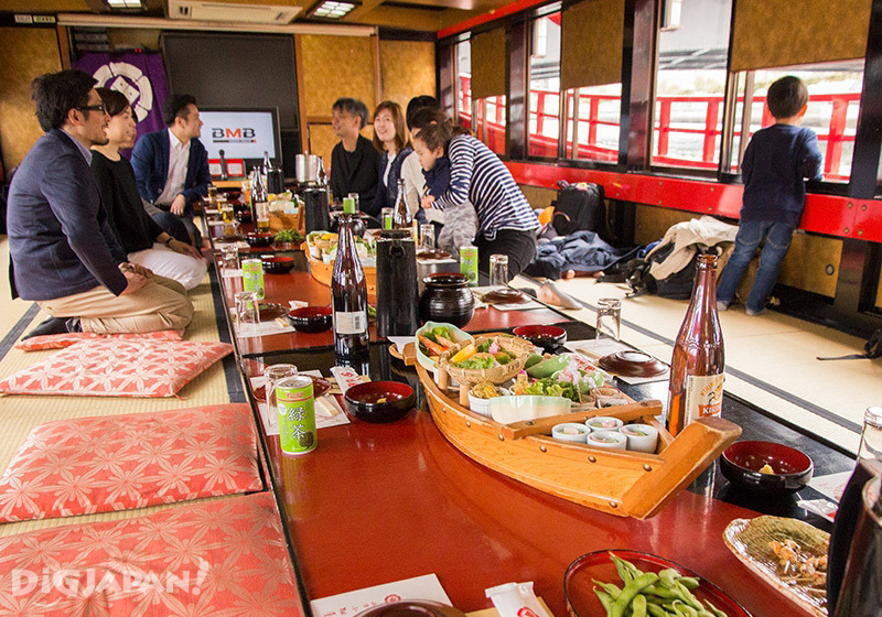Yakatabune interior, Japanese food and drink