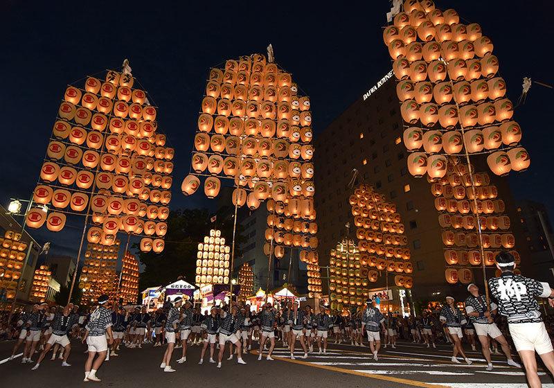 Akita Kanto Festival - bamboo lantern poles
