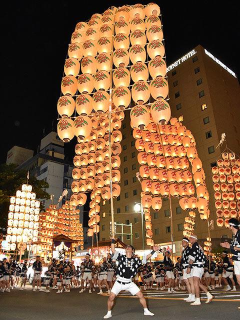 秋田竿燈祭4
