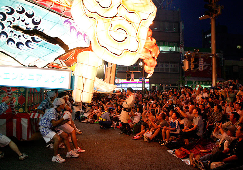 Aomori Nebuta Festival - seeing the parade from up close