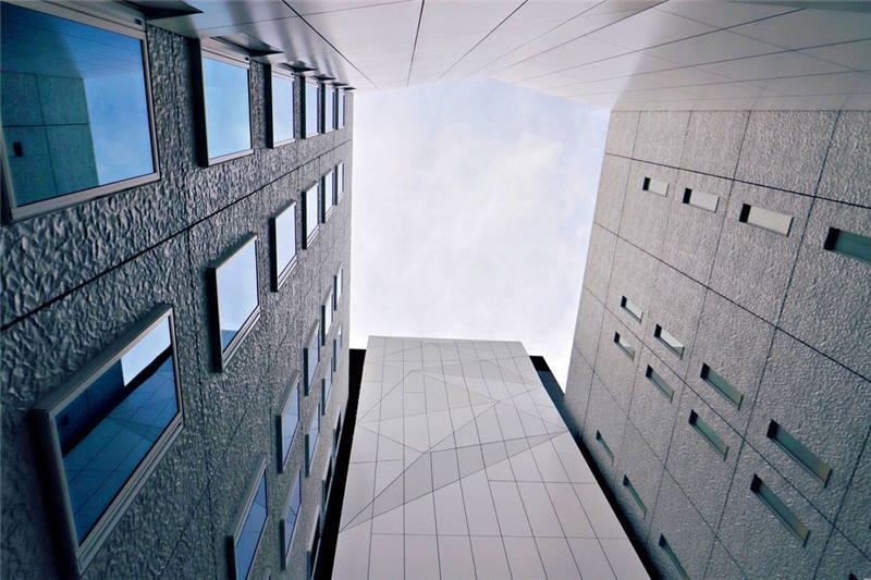 包圍庭園的四棟飯店建築