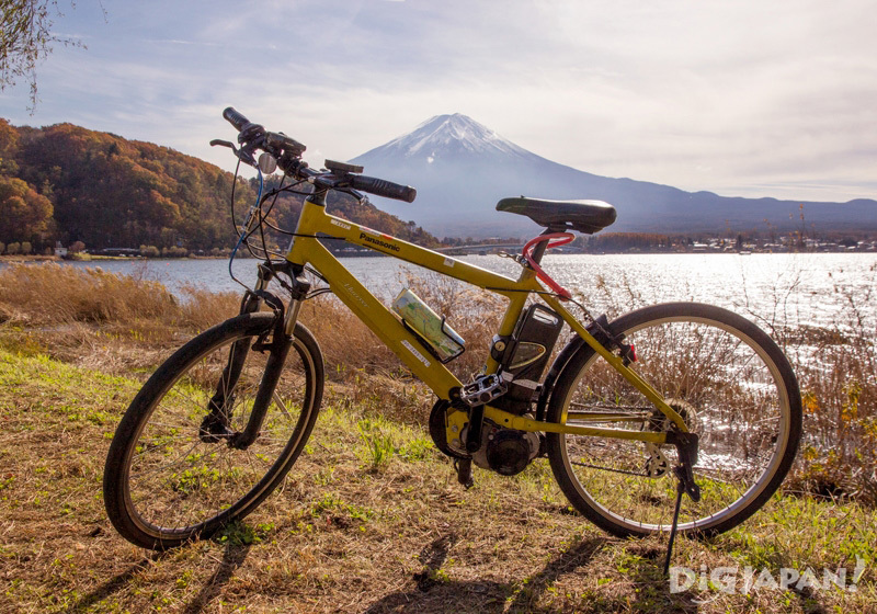 Renting a bicycle at Lake Kawaguchi