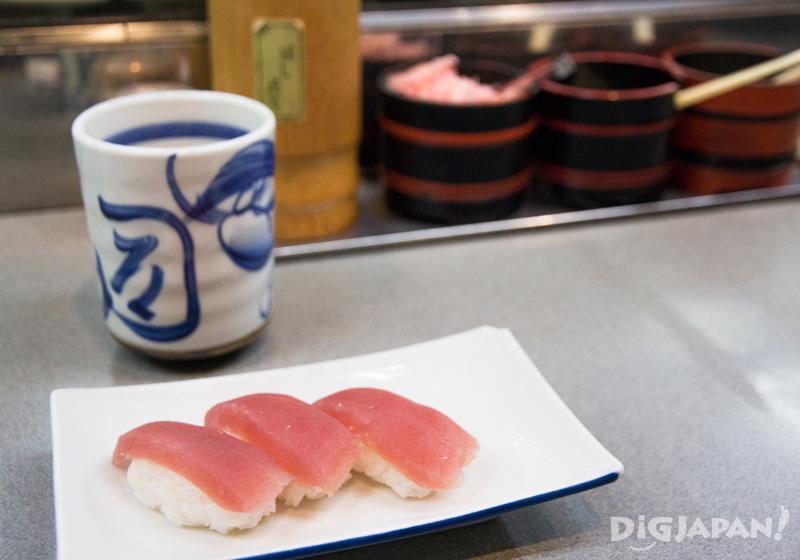 150 yen sushi at Janjan Yokocho