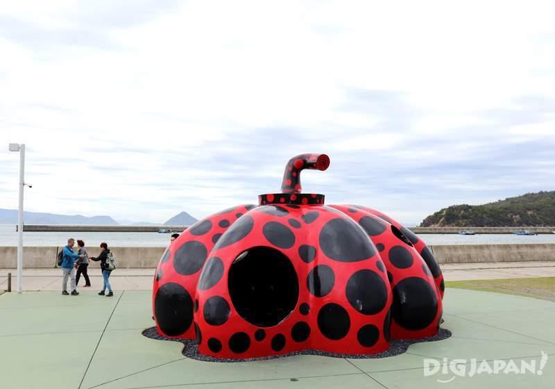 「赤かぼちゃ」草間彌生