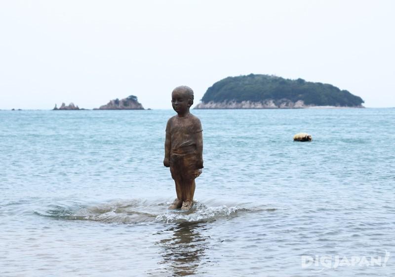 小豆岛《超越国境・波》林舜龙1