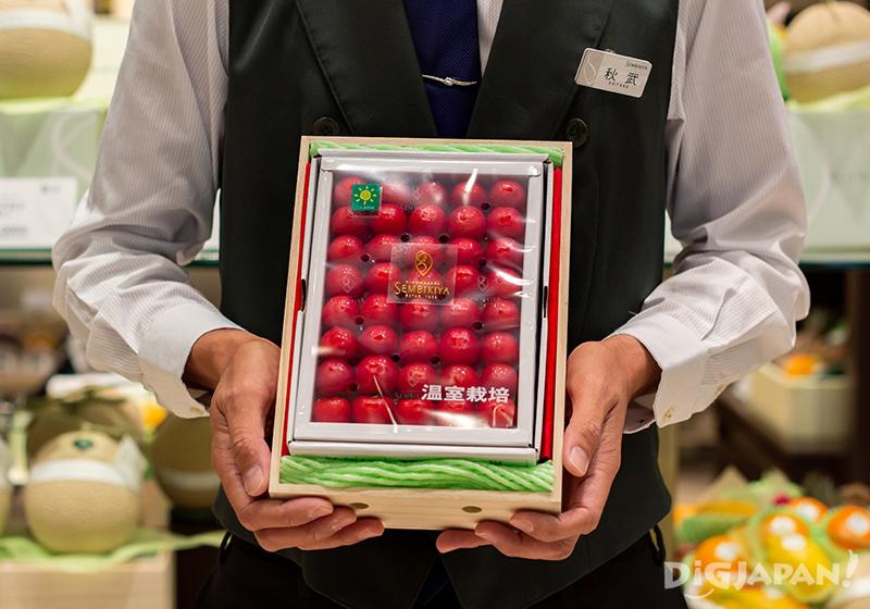 Sato-nishiki cherries from Yamagata Prefecture