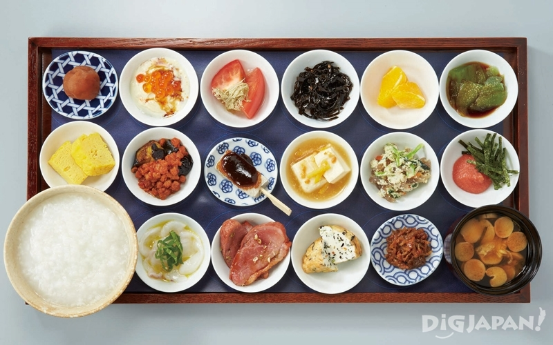 Cafe Tsumugi: 18 plates breakfast with free-refill okayu (rice porridge)
