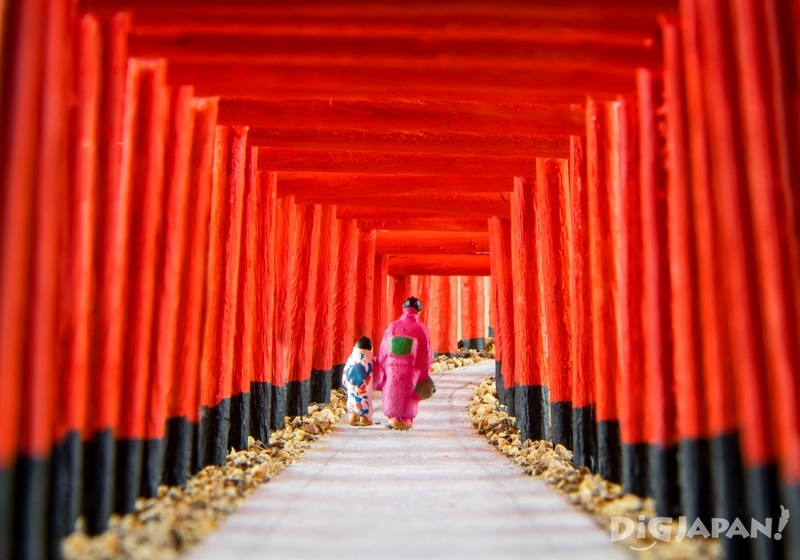 Recreating the Fushimi Inari Shrine in Kyoto in miniature