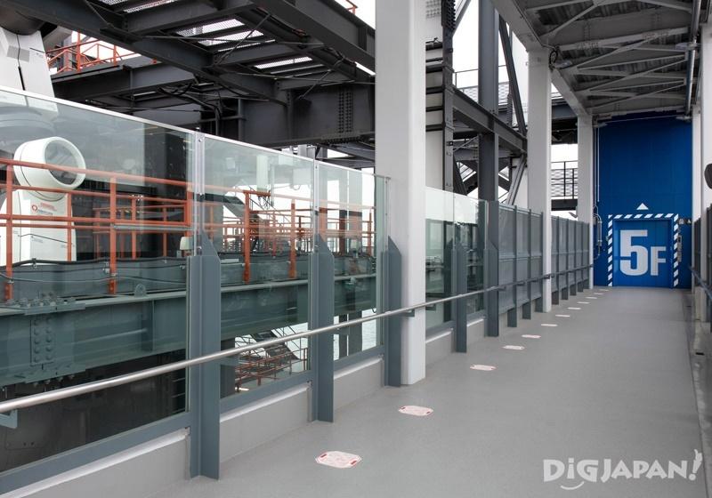 GUNDAM-DOCK TOWER 5th floor corridor