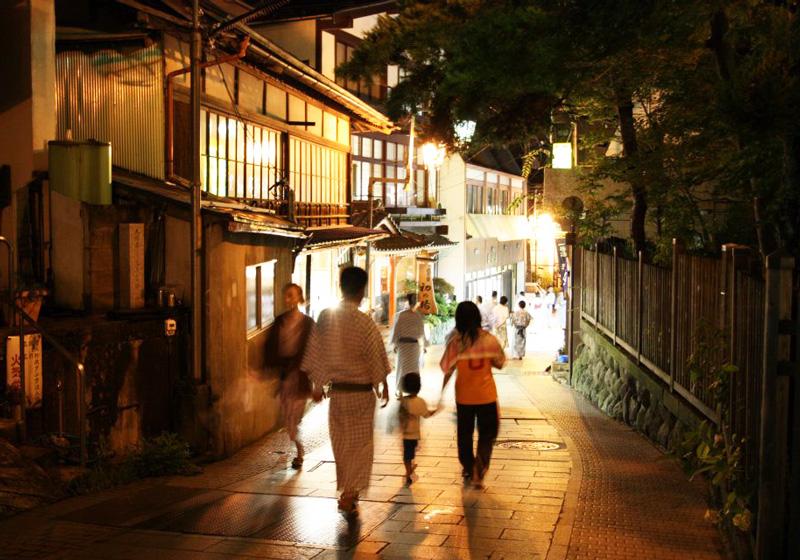 涩温泉的步行街2