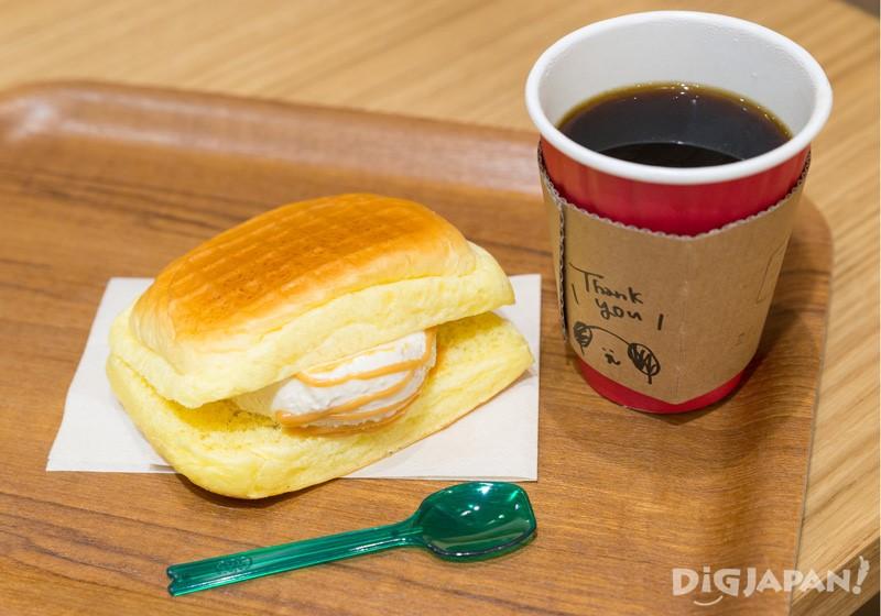 冰淇淋三明治+咖啡
