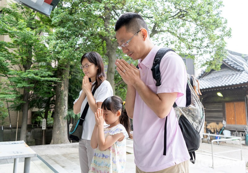 Praying at Kameari Katori Shrine
