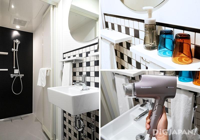 客房一角是淋浴间、洗面台和洗手间