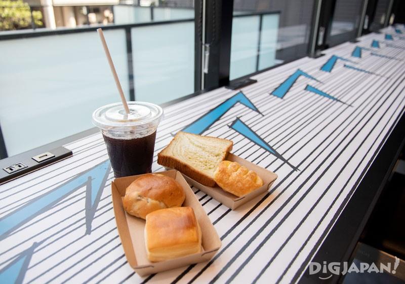 6:30~10:00的早餐时段提供免费面包