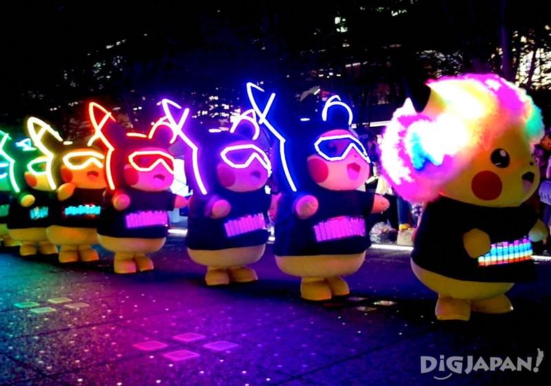 大人氣的皮卡丘行進也在晚間舉行