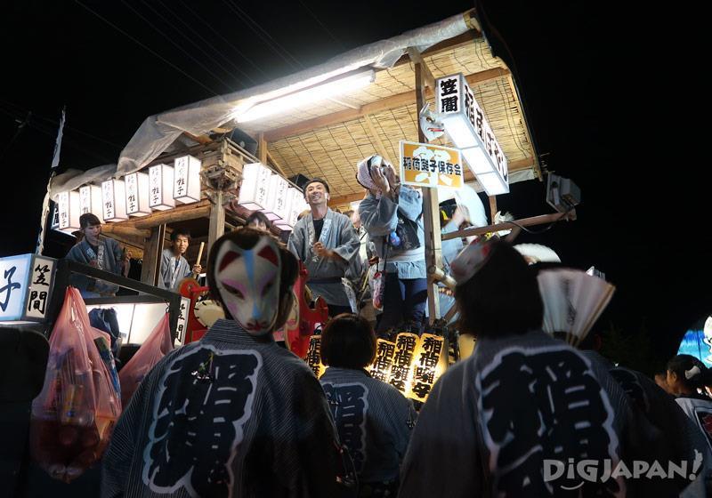 近距離觀賞具震撼力的彩燈!笠間祭