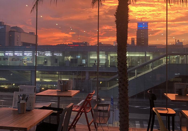 日落時分來這裡眺望夕陽享用晚餐也很推薦